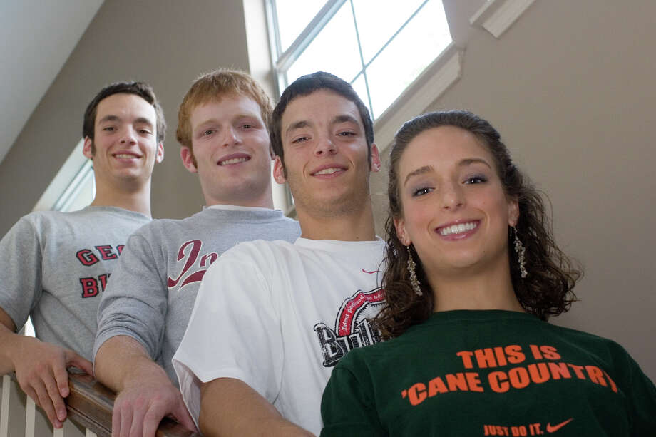 July 28, 2006: The Weingarten kids, all 19, relax and pose before leaving for college.  Lauren, in green, will attend the University of Miami, Daniel (in grey) is off to the University of Georgia, Mark, (in grey with long sleeves, favors Indiana University, and Adam, in white, will join Daniel at the University of Georgia.  Photographed at home before setting out. Photo: R. Clayton McKee, For The Chronicle / Freelance