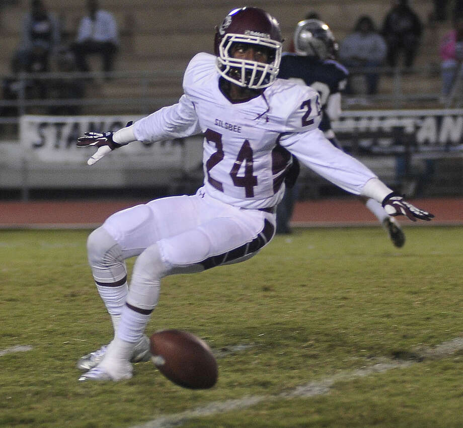 The SIlsbee Tigers played the West Orange-Stark Mustangs on Friday night. Photo by Cassie Smith/@smithcassie.