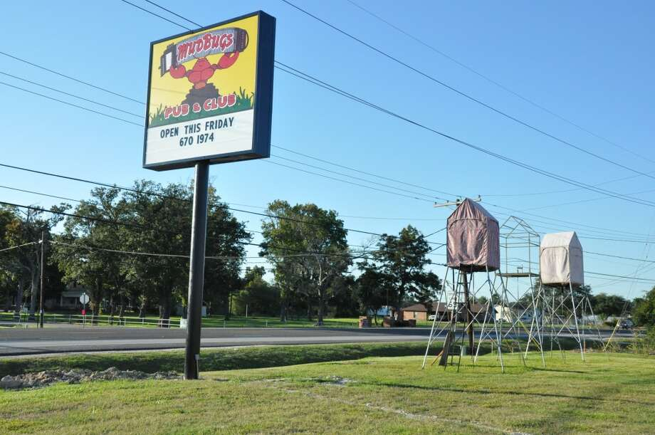 The new Mudbugs Pub and Club in Orange. Photographed on opening night, Fri., Oct. 25, 2013. Photo: Cat5