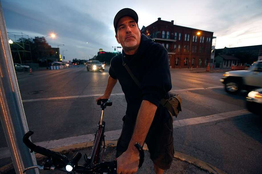 Photographer Rick Hunter in San Antonio. Photo: Kin Man Hui/ Express-News File Photo