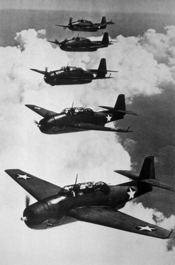 A formation of American Navy Avenger planes, the versatile torpedo-bombers that have helped rout the Japanese naval force in several battles in the Pacific. Photo: Keystone, Getty Images / Hulton Archive
