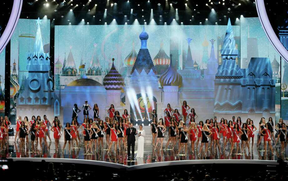 Contestants compete in the 2013 Miss Universe pageant in Moscow, Russia, on Saturday, Nov. 9, 2013. Photo: Pavel Golovkin, AP / AP