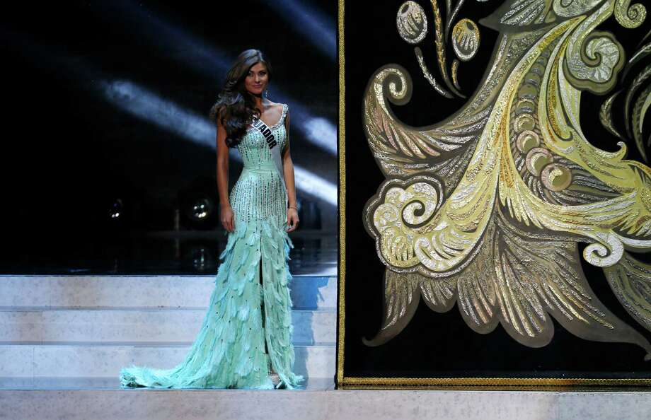 Miss Ecuador Constanza Baez participates in the 2013 Miss Universe pageant in Moscow, Russia, Saturday, Nov. 9, 2013. Photo: Pavel Golovkin, AP / AP2013