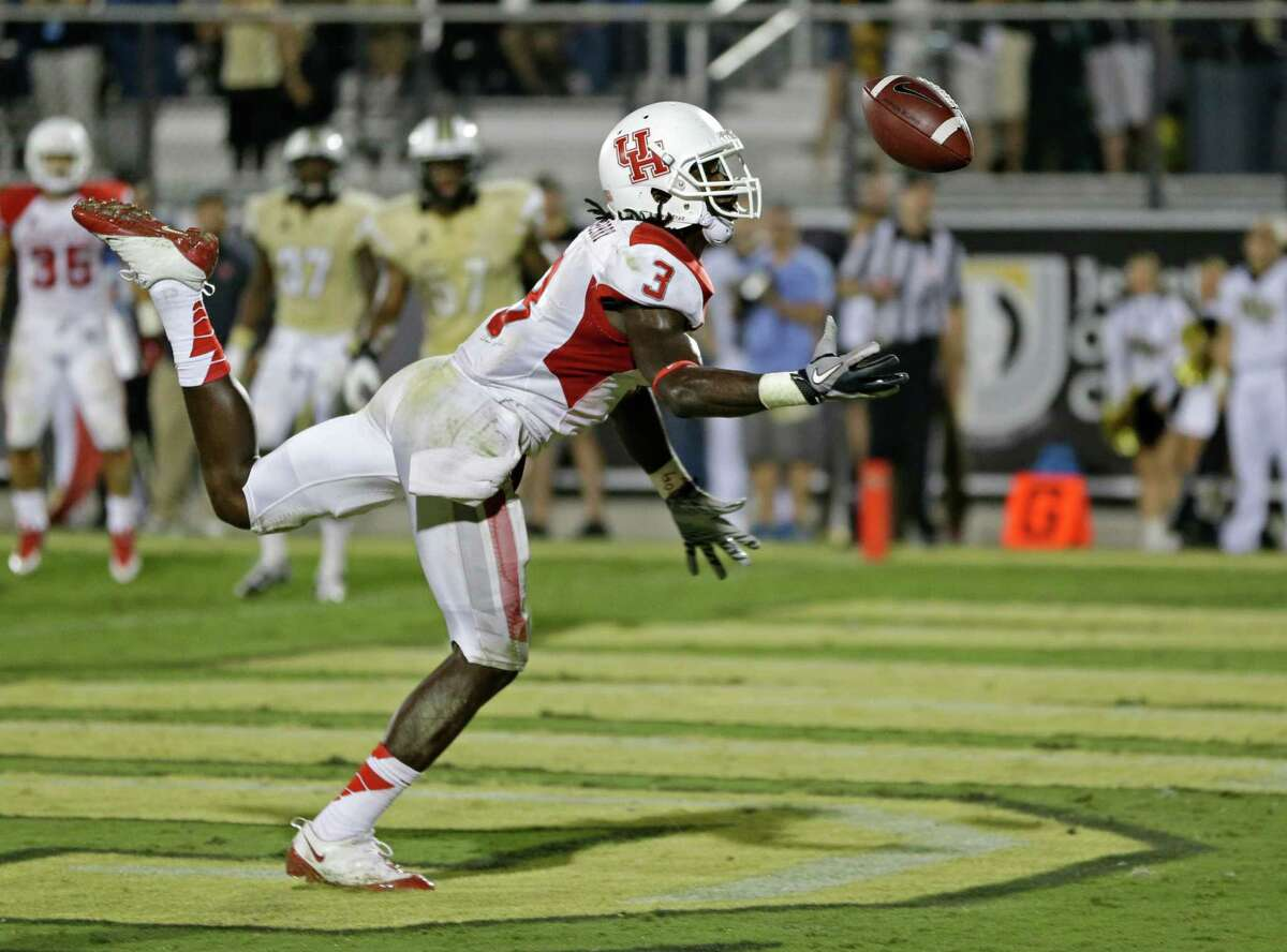 UH wide receiver Deontay Greenberry can't quite bring in a pass from John O'Korn that could have given the Cougars the victory in the final minute.