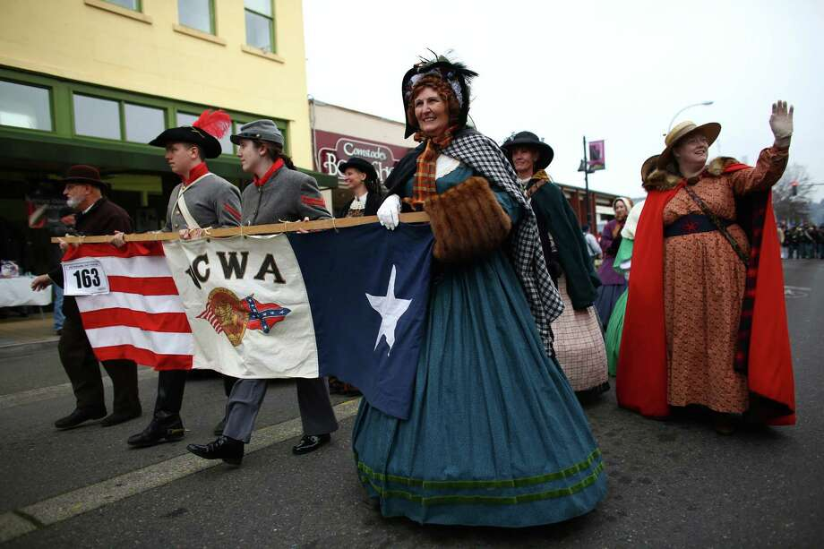 Members of the Washington Civil War Association march during the 48th annual Auburn Veterans Day Parade. Photo: JOSHUA TRUJILLO, SEATTLEPI.COM / SEATTLEPI.COM