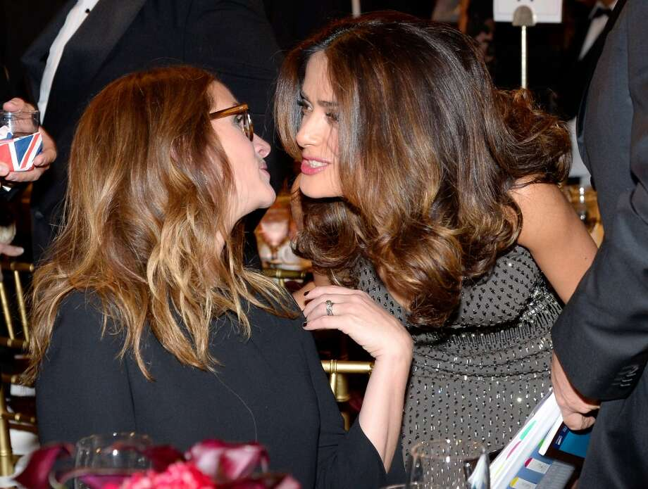 Actresses Julia Roberts (L) and Salma Hayek attend the 2013 BAFTA LA Jaguar Britannia Awards presented by BBC America at The Beverly Hilton Hotel on November 9, 2013 in Beverly Hills, California. Photo: Kevork Djansezian/BAFTA LA, Getty Images For BAFTA LA