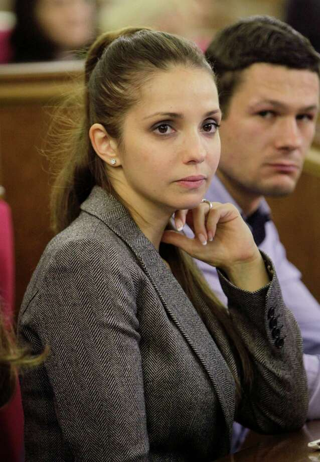 Eugenia Tymoshenko, daughter of jailed former Ukrainian Prime Minister Yulia Tymoshenko  attend a session at the parliament in Kiev, Ukraine, Thursday, Nov. 7, 2013.  A vote on various bills that would allow former Ukrainian Prime Minister Yulia Tymoshenko to go to Germany from prison is scheduled for Thursday. Photo: Sergei Chuzavkov, AP / AP2013