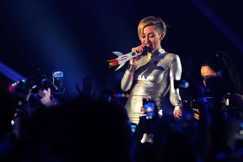 Miley Cyrus performs onstage during the MTV EMA's 2013 at the Ziggo Dome on November 10, 2013 in Amsterdam, Netherlands. Photo: Gareth Cattermole, Getty Images For MTV