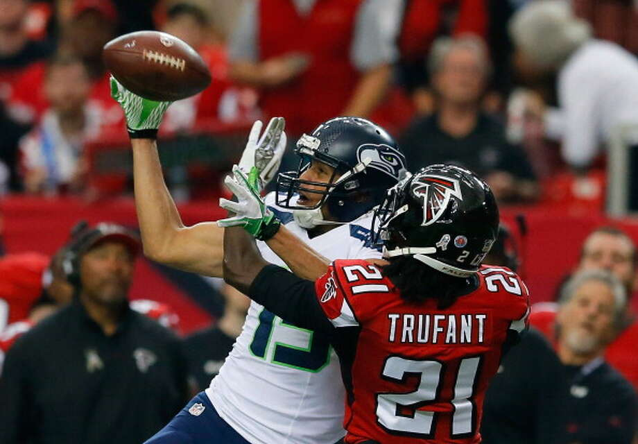 Great: Wide receiver Jermaine KearseJermaine Kearse has been hit-and-miss for Seattle all year. But with Sidney Rice out for the season with a torn ACL, Kearse now has an opportunity to step up and fill Rice's playmaking role.  He did just fine in Atlanta on Sunday.  Kearse caught three passes for 75 yards and a score, but the best part was the score. With the Hawks up 6-3 and struggling to score a touchdown, Wilson handed off to Lynch, who took a couple steps and threw back to Wilson. Seattle's QB heaved a bomb 43 yards to Kearse, who made a great adjustment and pulled the ball down for the Seahawks' first touchdown of the game. Photo: Kevin C. Cox, Getty Images / 2013 Getty Images