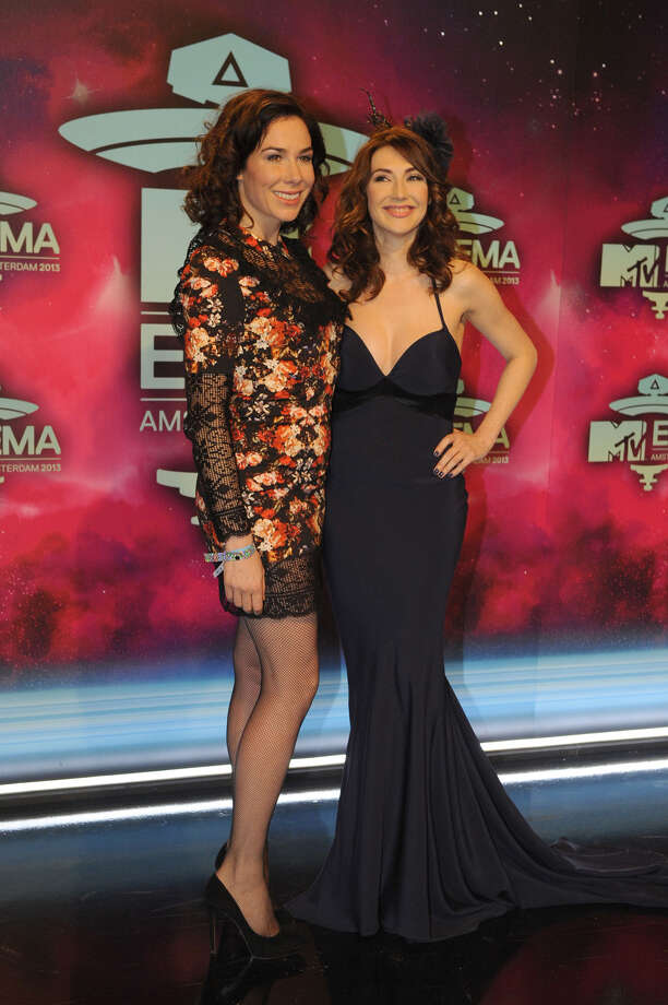 Dutch actress Halina Reijn (L) and Dutch actress and singer Carice van Houten pose as they arrive to attend the MTV European Music Awards (EMA) 2013 at the Ziggo Dome on November 10, 2013 in Amsterdam, The Netherlands. Photo: JOHN THYS, Getty Images / AFP