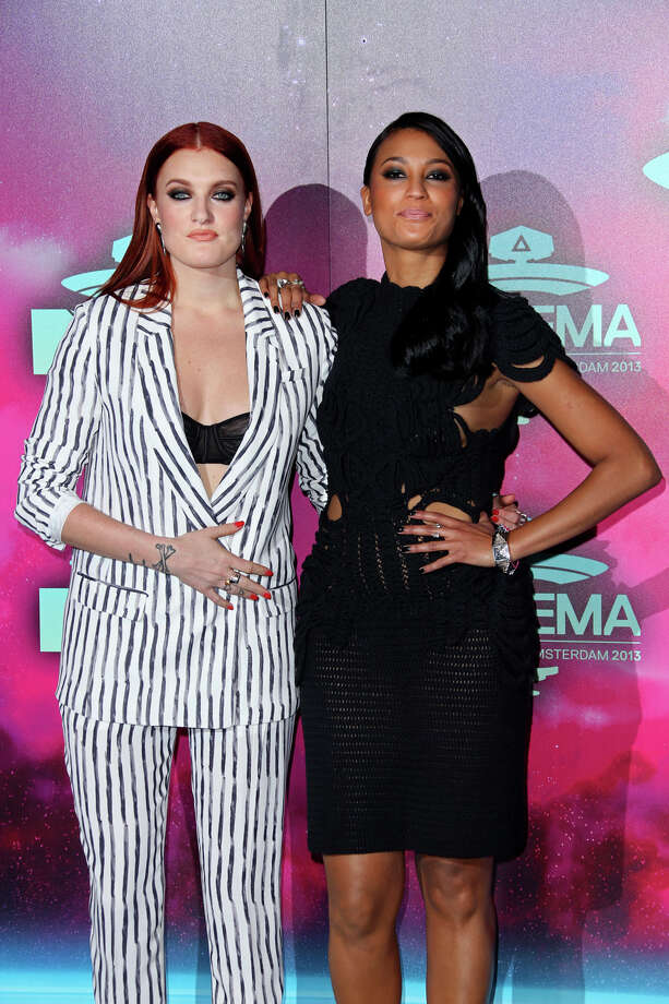 Carolina Hjelt, left, and Aino Jawo from the band Icona Pop arrive for the 2013 MTV Europe Music Awards, in Amsterdam, Netherlands, Sunday, Nov. 10, 2013. Photo: Joel Ryan, Associated Press / Invision