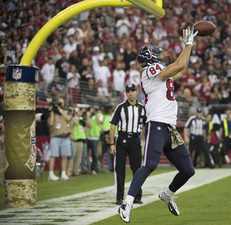 Texans tight end Ryan Griffin catches a touchdown pass from Case Keenum. Photo: Smiley N. Pool, Houston Chronicle