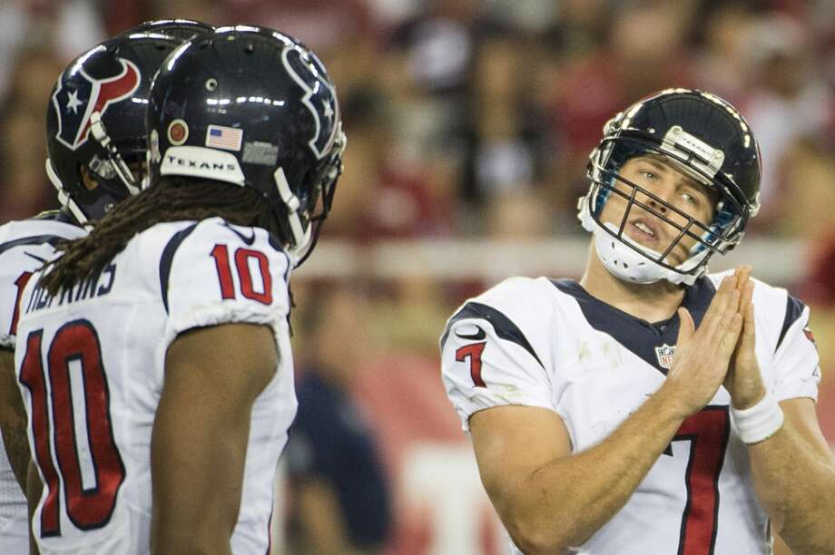 Texans quarterback Case Keenum huddles the offense during the second half. Photo: Smiley N. Pool, Houston Chronicle