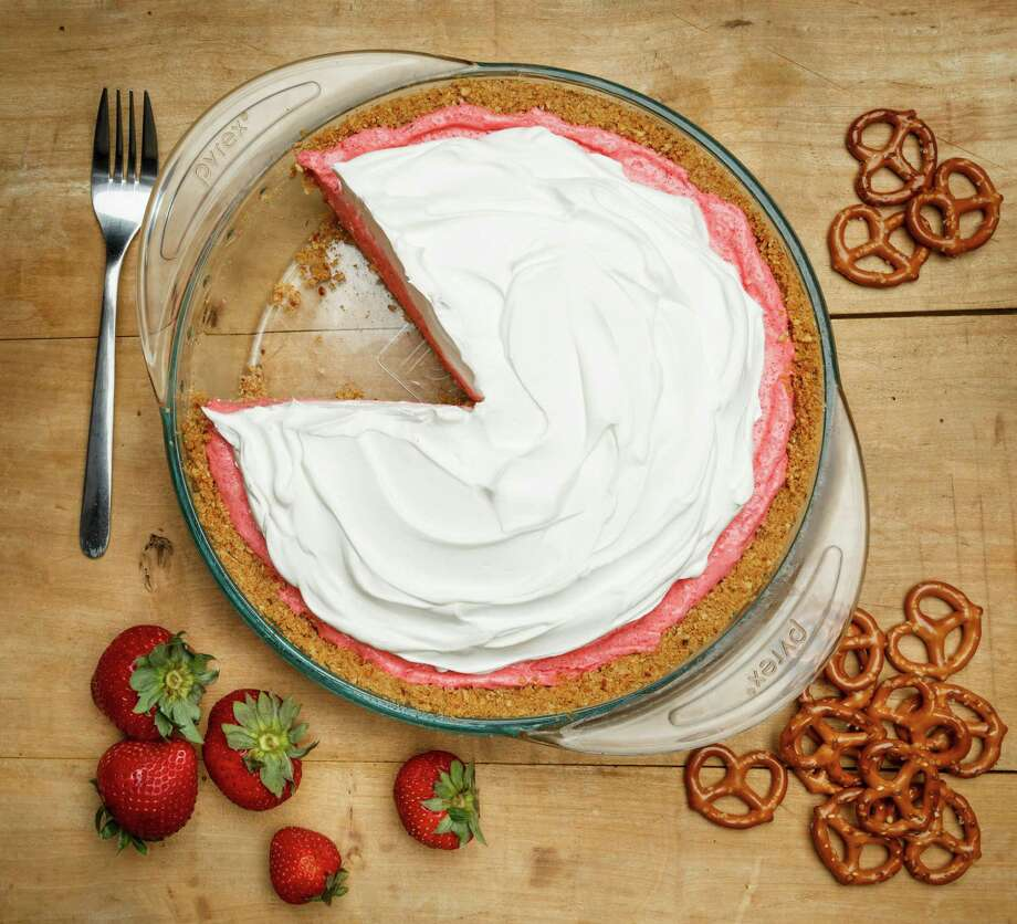 Strawberry-Pretzel Icebox Pie, photographed in the Houston Chronicle Studio, Thursday, June 20, 2013, in Houston. ( Michael Paulsen / Houston Chronicle ) Photo: Michael Paulsen, Staff / © 2013 Houston Chronicle