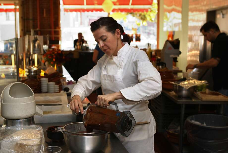 Chefs Dominica Rice of Cosecha makes sauce from Cascabel chile. Photo: Liz Hafalia, The Chronicle