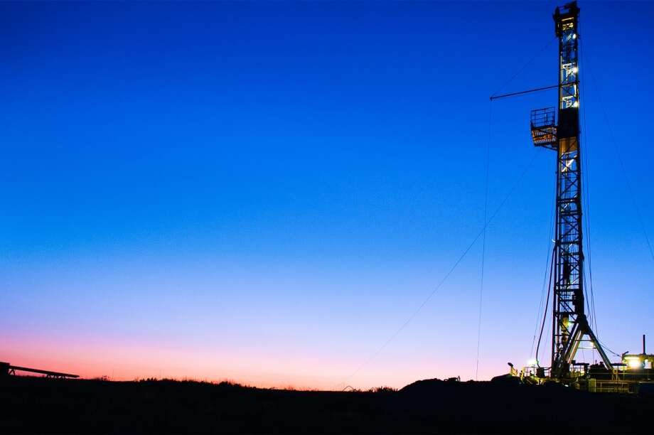 A drilling rig works on an EnerVest project in the Barnett Shale. Photo: EnerVest