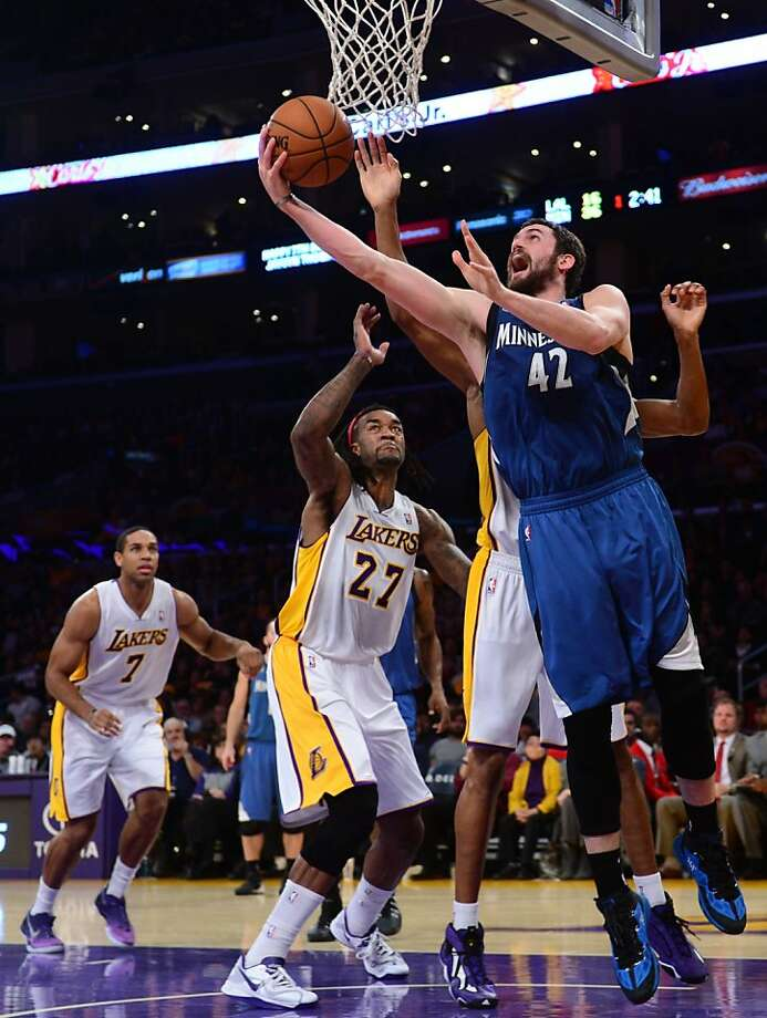Kevin Love (right) and the Timberwolves got off to a fast start against the Lakers. Photo: Frederic J. Brown, AFP/Getty Images