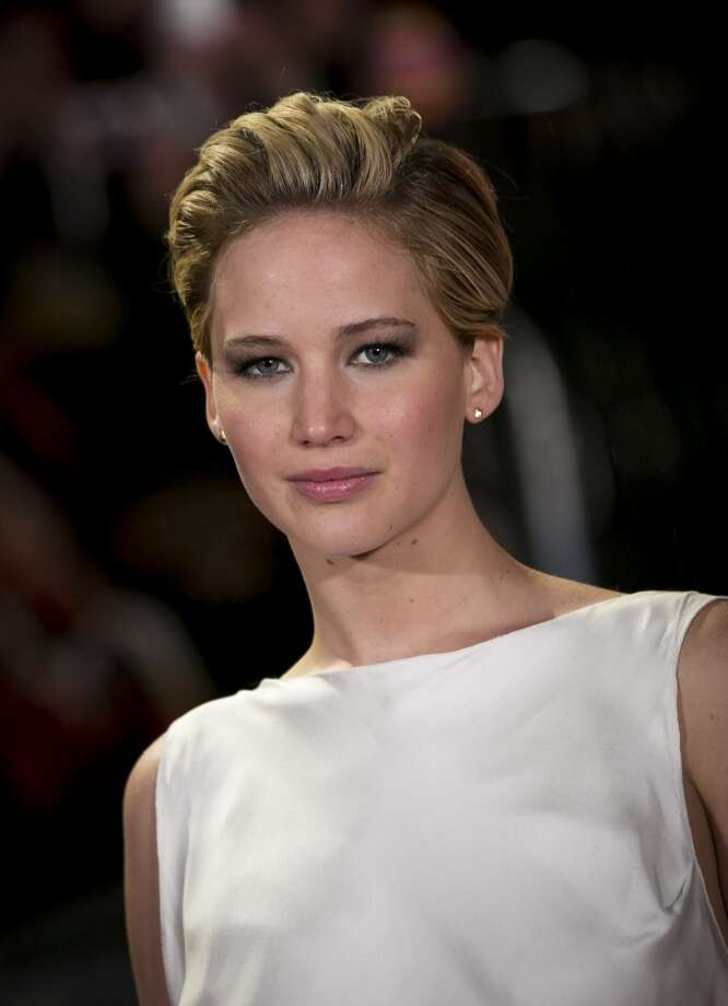 """Jennifer Lawrence attends the UK Premiere of """"The Hunger Games: Catching Fire"""" at Odeon Leicester Square on November 11, 2013 in London, England. Photo: John Phillips, Getty Images"""