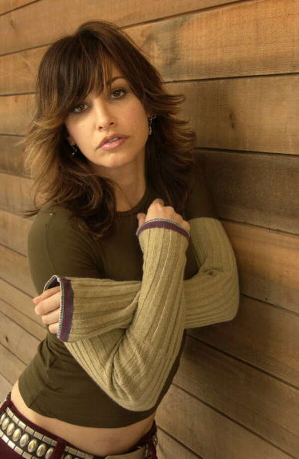 Gina Gershon, actress/producer during 2003 Sundance Film Festival -- one of the great deep voices. Photo: J. Vespa, WireImage / WireImage