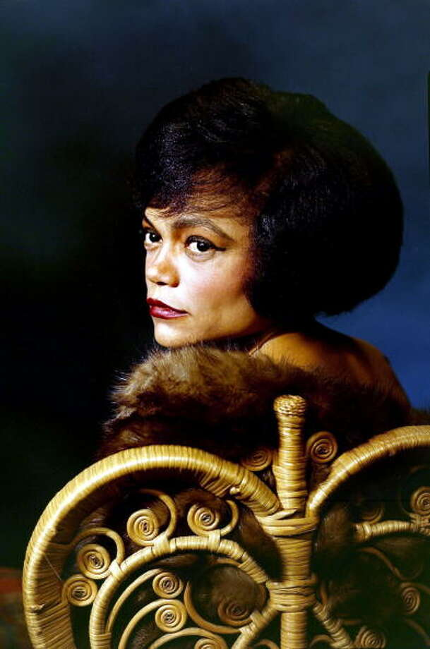 Eartha Kitt -- a purring voice. Photo: Paul Popper/Popperfoto, Popperfoto/Getty Images / Popperfoto
