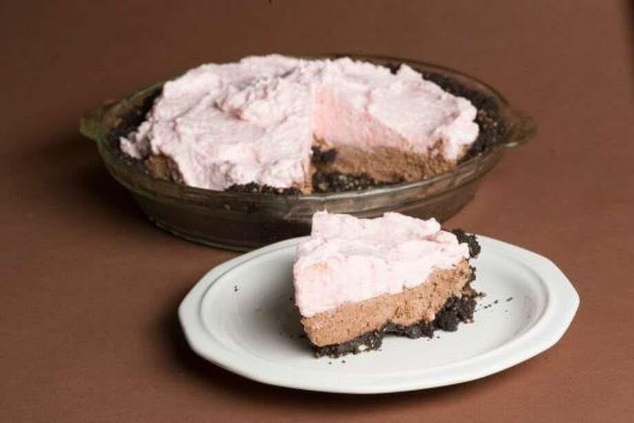 Chocolate Candy Cane Pie