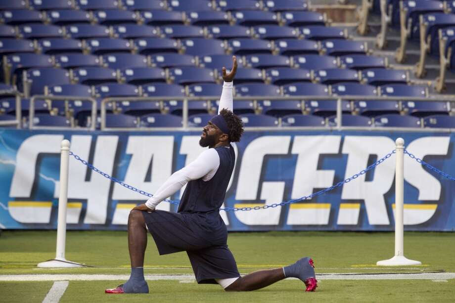 Ed Reed works out prior to the Texans' season opener against the Chargers on Sept. 9. Reed did not play in the game. Photo: Brett Coomer, Houston Chronicle
