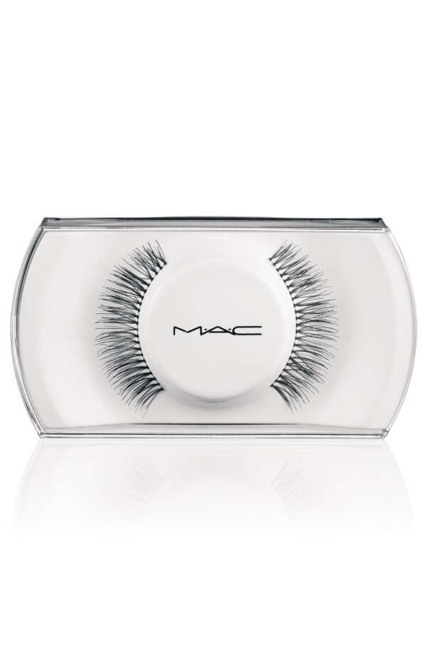 MAC No. 4 false lashes Photo: MAC