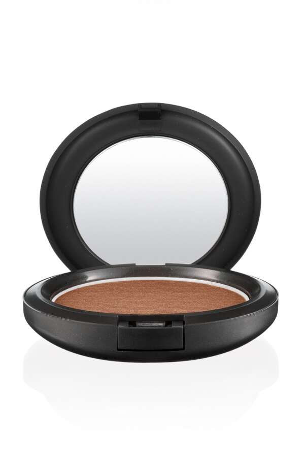 MAC Bronze bronzer was used to highlight the cheekbones. Photo: MAC