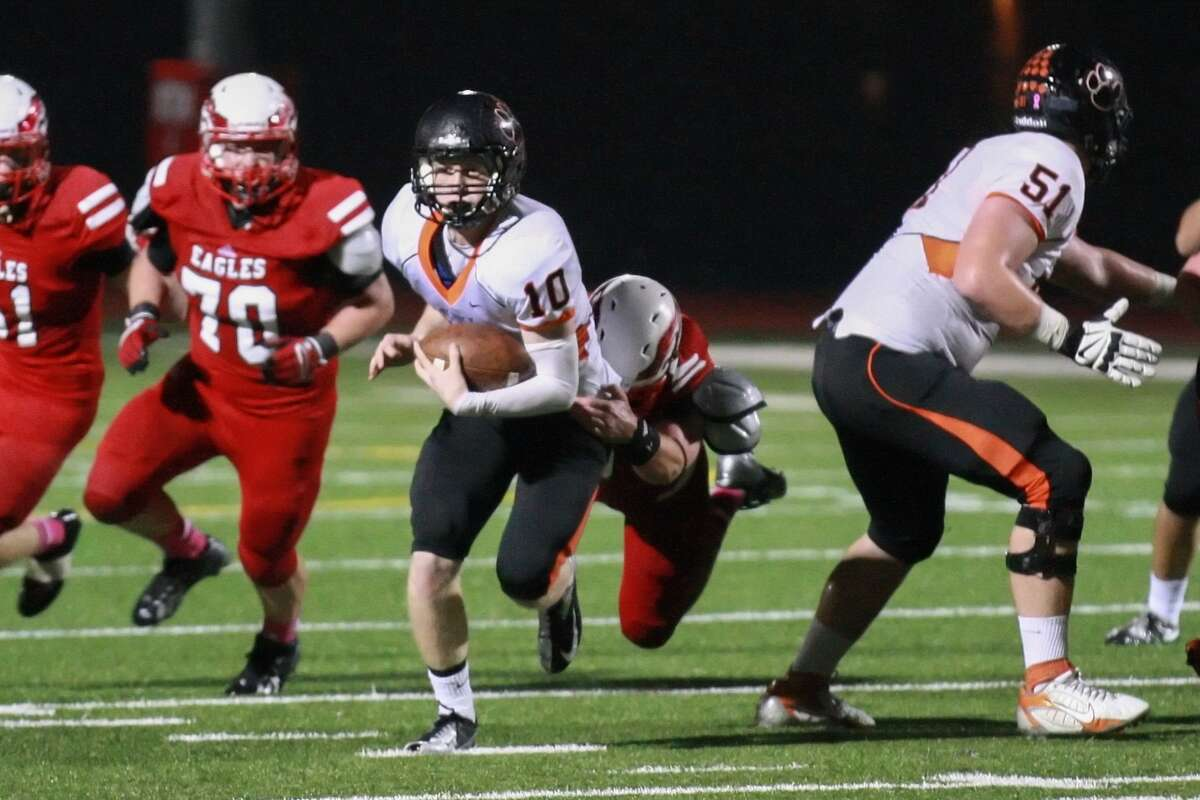 St Pius quarterback Timmy Ware and the Panthers face Addison Trinity Christian Saturday.