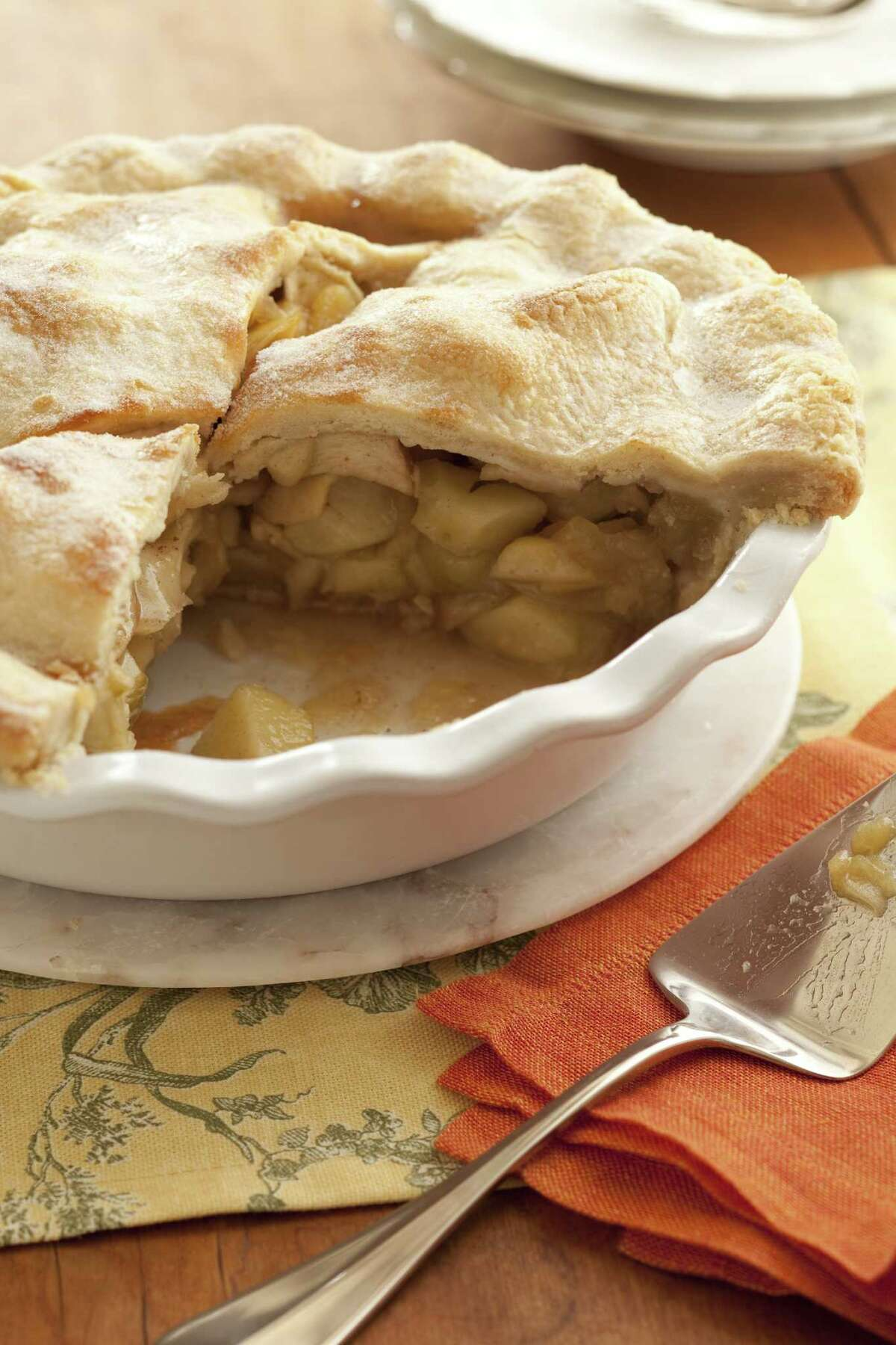 Learn to make holiday favorites such as Apple Pie at Sur La Table.