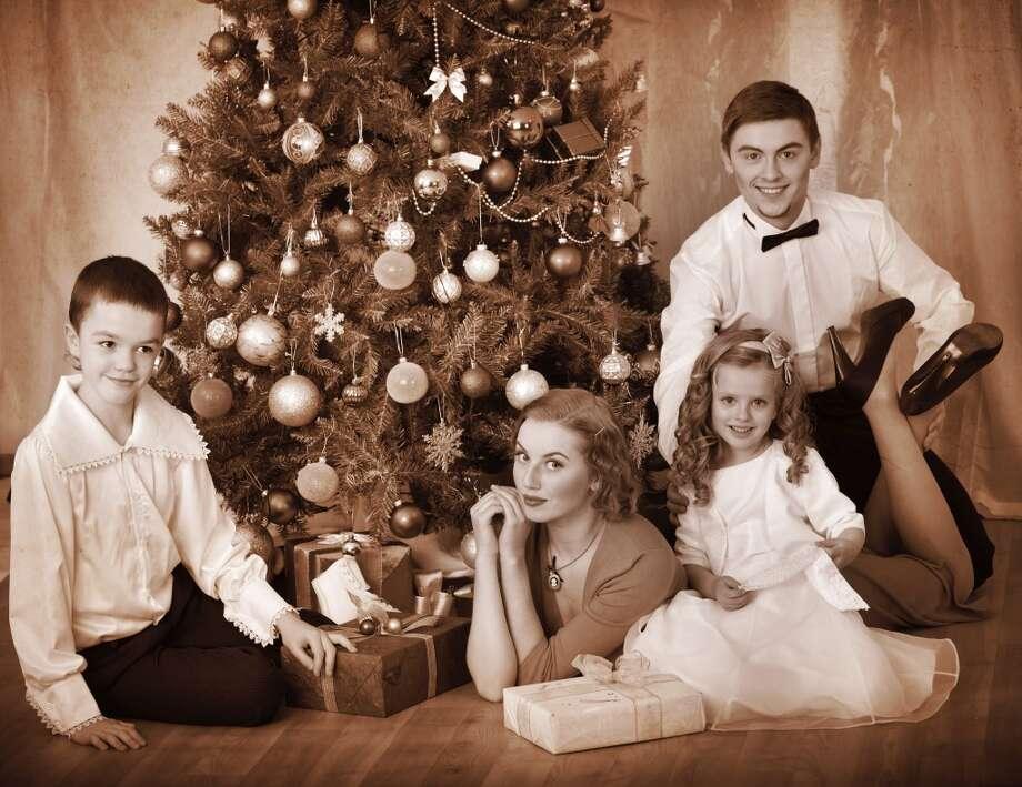 Gifts around the Christmas tree. Photo: Gennadiy Poznyakov, Getty Images/iStockphoto