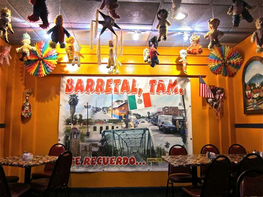 Photomural of Barretal, Tamaulipas at Lupita's in Sugar Land. Photo: Alison Cook