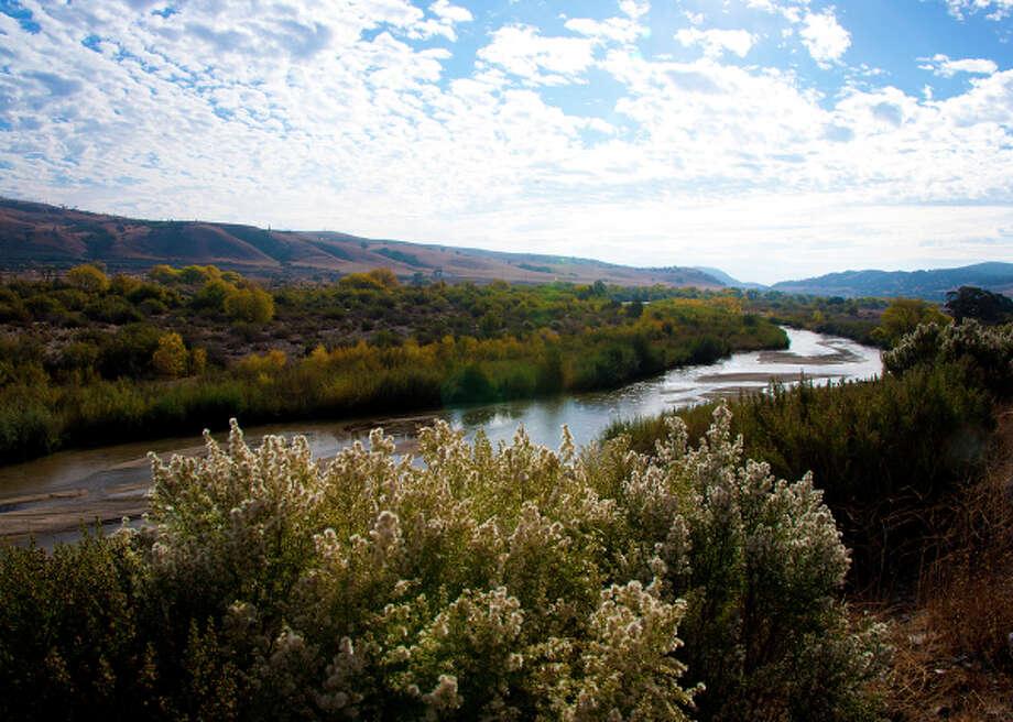 The Salinas River, a wildlife corridor running through the Central Coast Ranges south of Monterey, generally comes into color in November. Photo: John Poimiroo