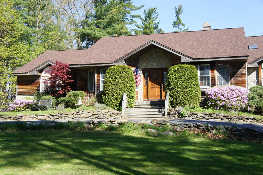 House of the Week: 277 Rowe Rd., Selkirk   Realtor:  Jaime McCarthy at Hunt Real Estate   Discuss: Talk about this house Photo: Courtesy Photo