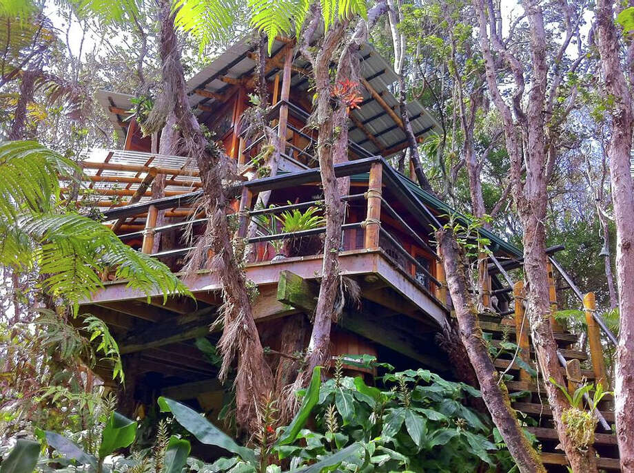 After a wedding in the rainforest -- or on the Mainland -- couples can honeymoon in the  equally secluded Mahinui Na Lani treehouse a few blocks away. Photo: Mahinui Rainforest Weddings