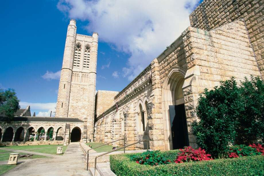 Oahu:The Episcopal Diocese of Hawai'i, which voted in favor of legalizing same-sex marriages, had previously  authorized blessings for same-sex civil unions in its  churches, including St. Andrew's Cathedral in Honolulu (pictured.) Photo: Kirk Lee Aeder, HTA