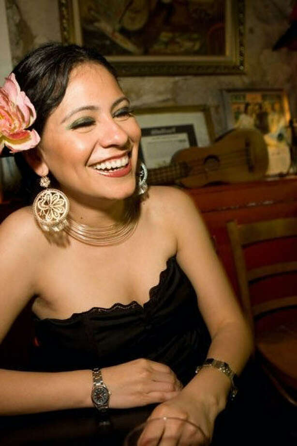 Azul Barrientos will perform with her mother onstage as part of the Mujeres en la Canción Mexicana series. Photo: Courtesy Photo
