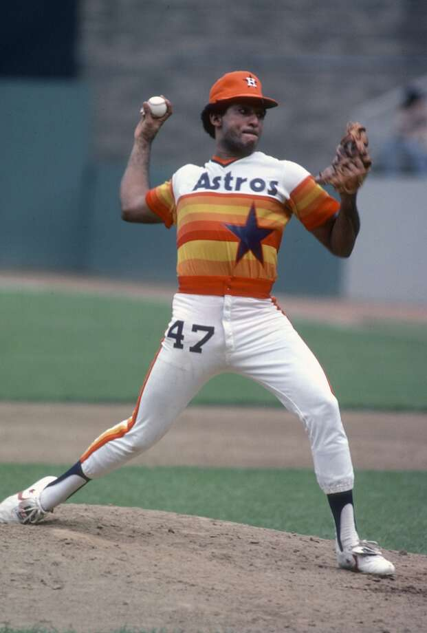 NEW YORK - CIRCA 1978: Joaquin Andujar #47 of the Houston Astros pitches against the New York Mets during an Major League Baseball game circa 1978 at Shea Stadium in the Queens Borough of New York City. Andujar played for the Astros from 1977-81 and 1988. (Photo by Focus on Sport/Getty Images) Photo: Focus On Sport, Getty Images