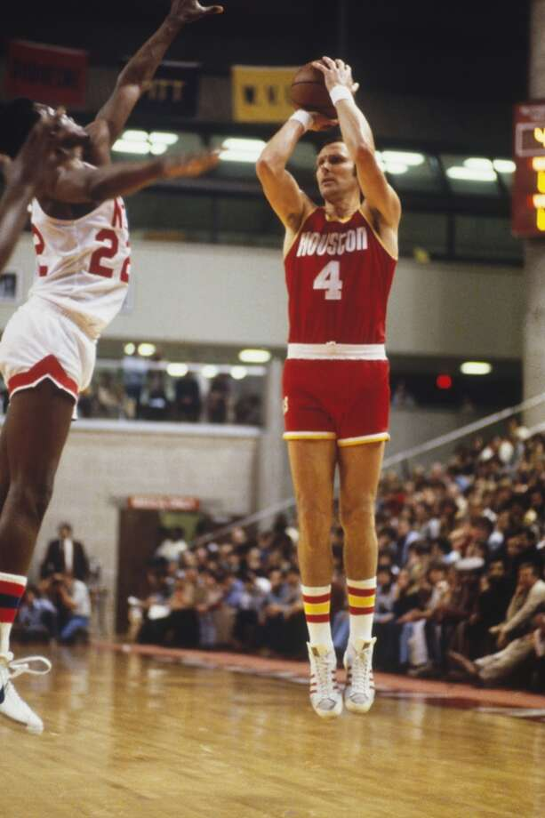 Houston Rockets' forward Rick Barry #4 takes a shot against the New York Nets. (Photo by Focus on Sport/Getty Images) Photo: Focus On Sport, Focus On Sport/Getty Images