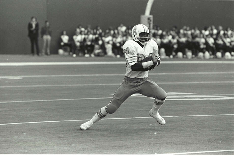 "Wide receiver/kick returner Billy Johnson (nicknamed ""White Shoes"") of the Houston Oilers in action against the Pittsburgh Steelers at Three Rivers Stadium circa 1975 in Pittsburgh, Pennsylvania.  (Photo by George Gojkovich/Getty Images) Photo: George Gojkovich, Getty Images / 1975 George Gojkovich"