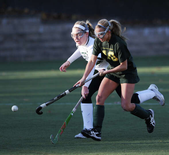 Girls high school field hockey playoff game between Greenwich Academy and Deerfield Academy at Green