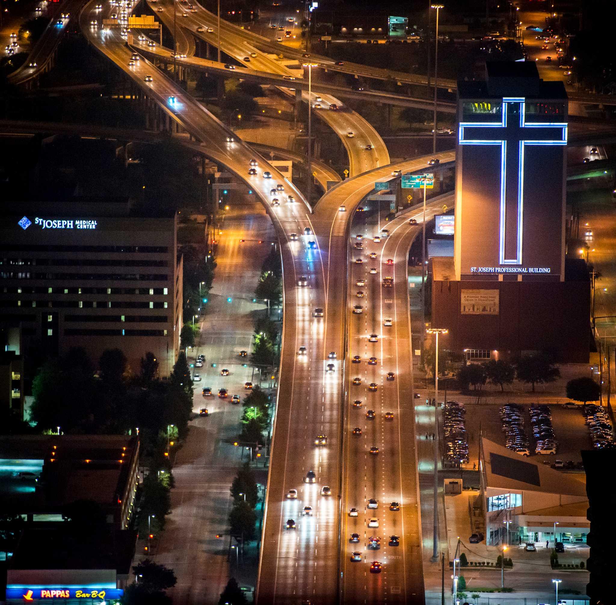 TxDOT considering options for widening I-45 - HoustonChronicle.com