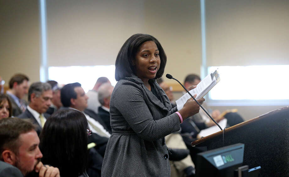 Activist Lucy Adame-Clark talks to the city planning commission regarding the annexation of land on the South Side. Photo: Tom Reel, San Antonio Express-News