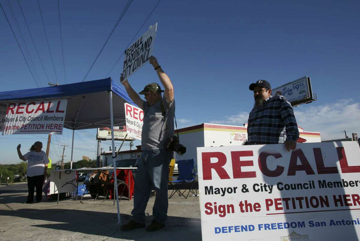 Critics of the nondiscrimation ordinance will be gathering signatures to recall District 1 Councilman Diego Bernal today at the southeast corner of San Pedro Avenue and Oblate Drive.