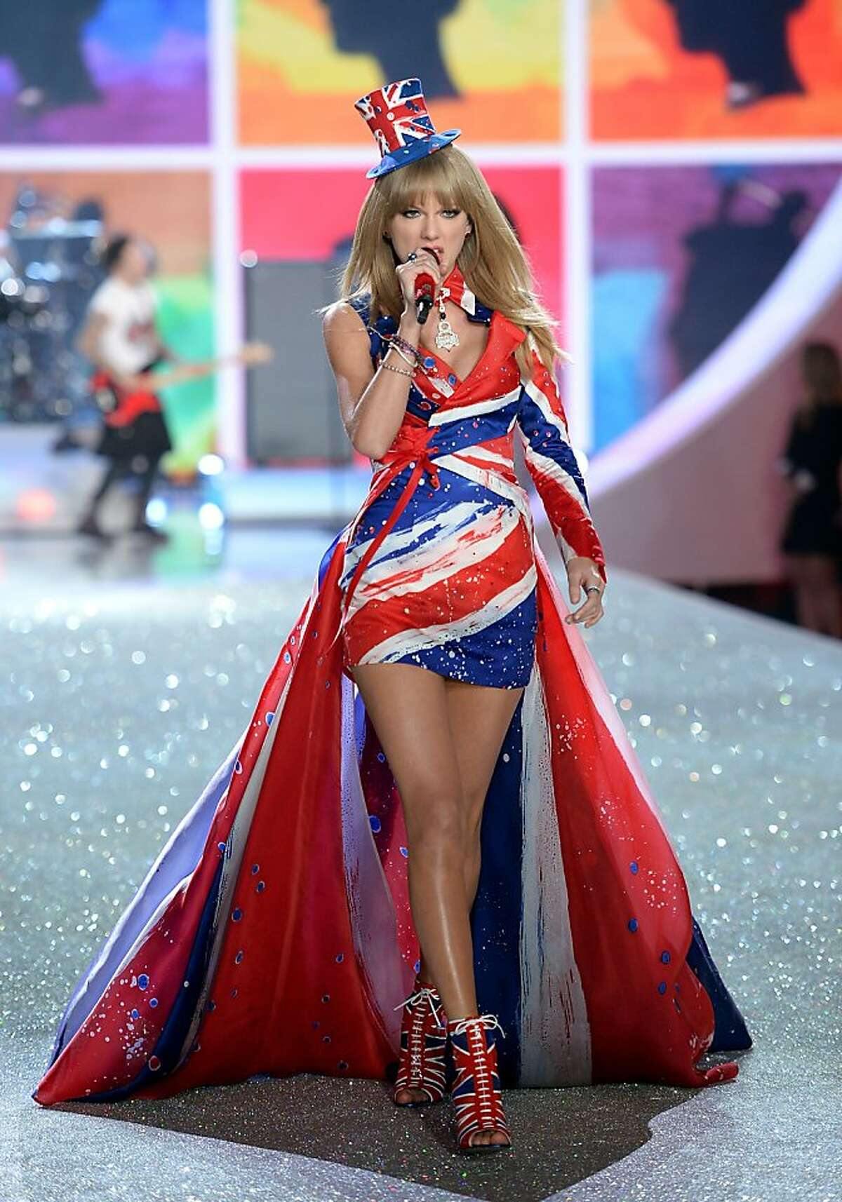 NEW YORK, NY - NOVEMBER 13: Singer Taylor Swift performs at the 2013 Victoria's Secret Fashion Show at Lexington Avenue Armory on November 13, 2013 in New York City. (Photo by Dimitrios Kambouris/Getty Images for Victoria's Secret)