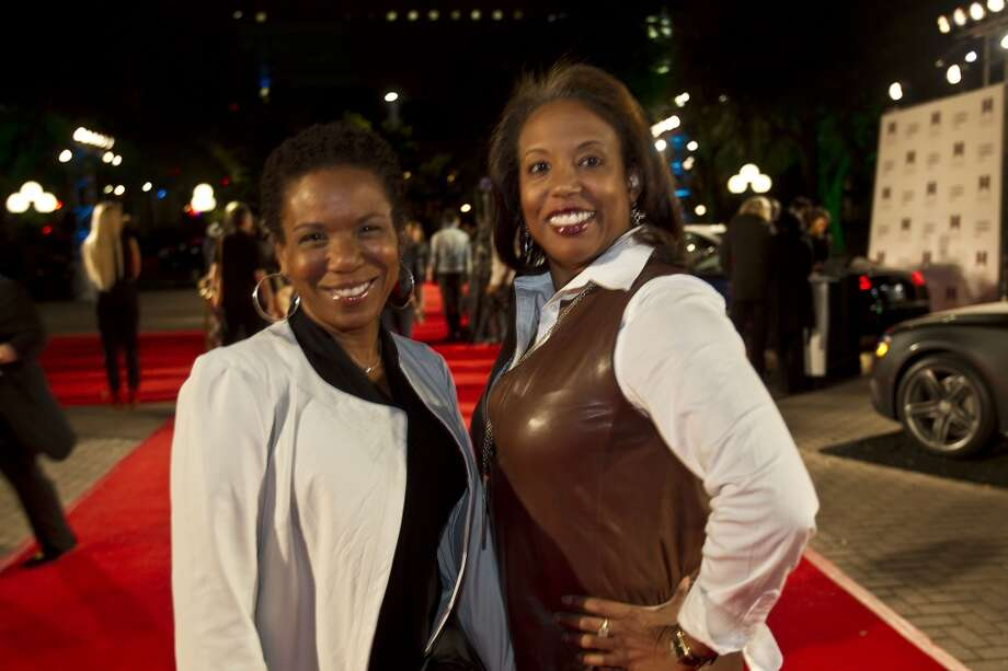 Elaine Jefferson, left, and Desrye Morgan pose for a photo during Fashion Houston at Wortham Center Tuesday, Nov. 12. Photo: Brett Coomer, Houston Chronicle