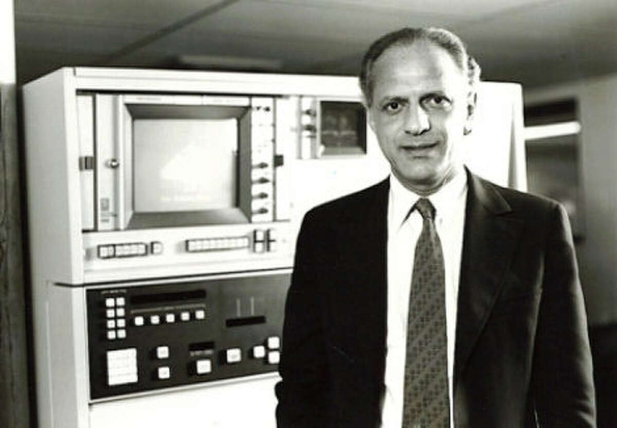 Spanish-language TV pioneer Emilio Nicolas Sr. oversaw JFK coverage on KWEX.