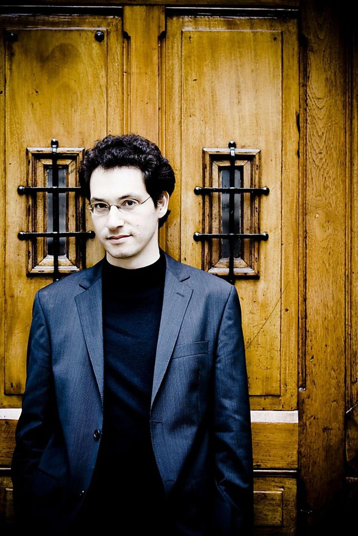 Pianist Shai Wosner Shai Wosner Photo: Marco Borggreve