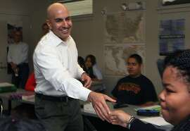 Republican Neel Kashkari talks to trigonometry students at Eastside College Preparatory school in East Palo Alto, California, on Friday, November 8, 2013.  The 39-year-old former Bay Area Goldman Sachs banker oversaw the Troubled Asset Relief Program in two presidential administrations.