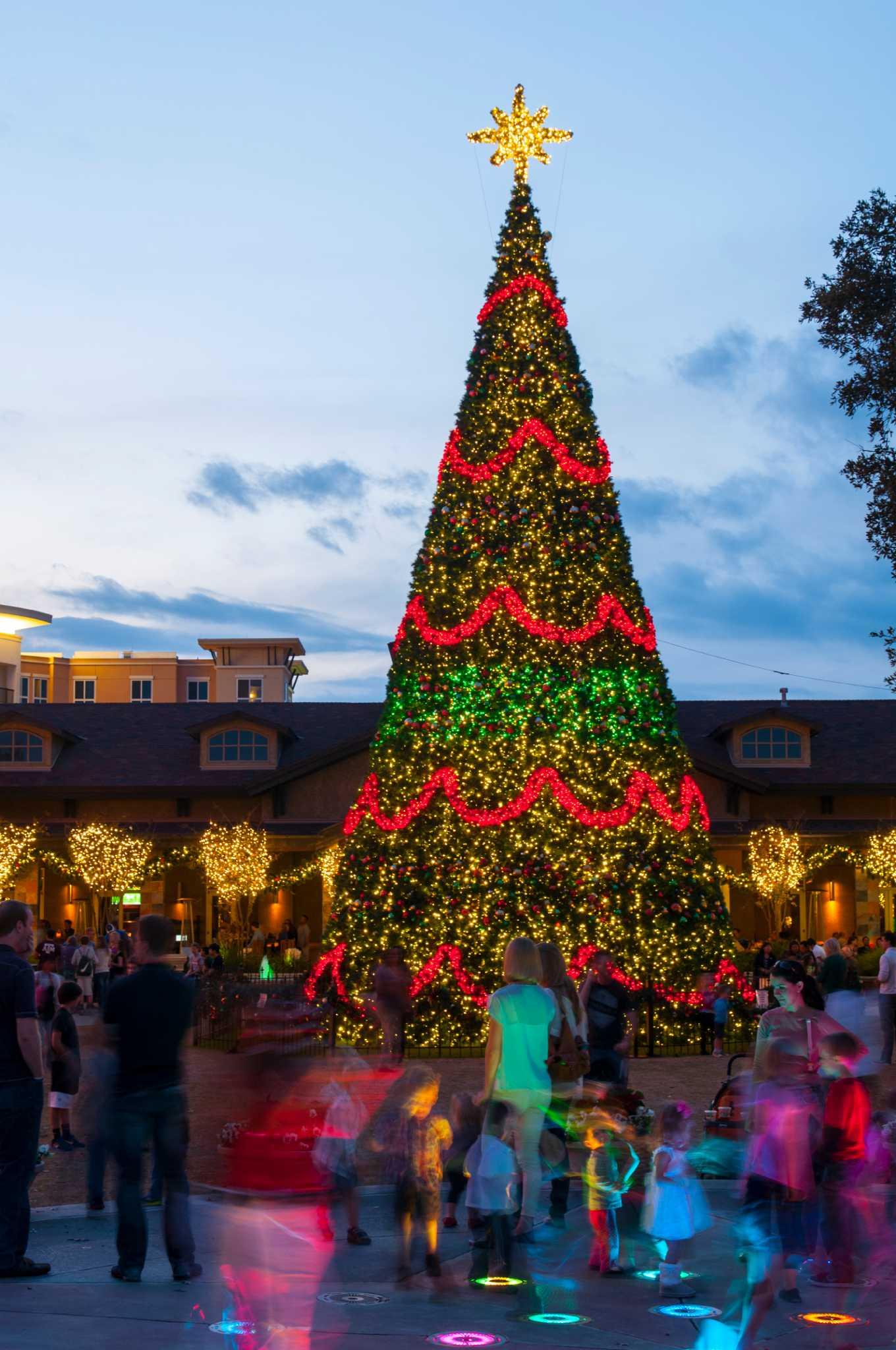 Christmas tree lighting set for Nov. 21 - Houston Chronicle